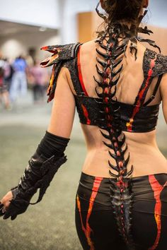 Handcrafted custom Spine (Made to Order) by Oonacat elegant nails murfreesboro - Elegant Nails Gothic Fashion, Look Fashion, Fashion Women, Demon Costume, Succubus Costume, Barbarian Costume, Mad Max Costume, Horns Costume, Goddess Costume