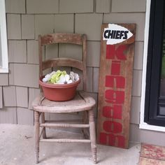 Items similar to Sports sign// Kansas City Chiefs//Hand painted // Sports Decor // Welcome signs // Reversible signs on Etsy Sports Signs, Sports Decor, Sports Teams, Wooden Diy, Wooden Signs, Wooden Boards, Painted Boards, Handmade Signs, Handmade Decorations