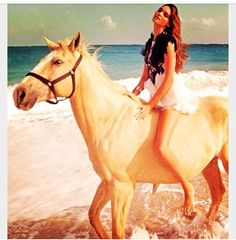 This is so what I want to do someday!!!! Ride horses on the beach!!!✨☀️