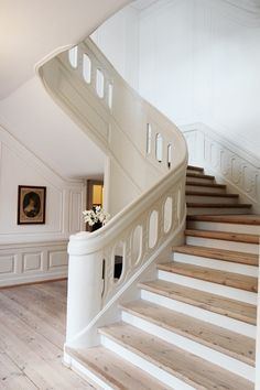 case hallway top deco stair details deco vintage renovation cödesign ...