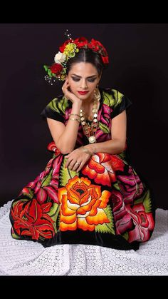 Discover recipes, home ideas, style inspiration and other ideas to try. Mexican Fashion, Mexican Outfit, Mexican Dresses, Mexican Traditional Clothing, Traditional Dresses, Mexican Clothing, Mexican Art, Mexican Style, Mexican Hairstyles