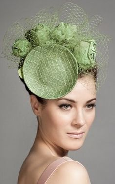 Green mesh mini disc with roses and veiling choux