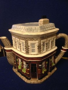"Western House Gifts Eastenders ""Queen Victoria Ornamental Teapot"" | eBay"