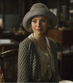 Downton Abbey Season 6 - who on earth is THIS? She looks like the old Rose. :-P