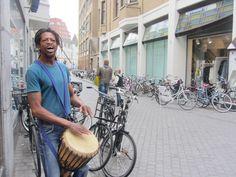 Op Wij Maken Breda vind je de mensen in Breda die bijdragen aan een gezellig, leuk en lekker leefklimaat in de stad. Van kunstenaars tot koks en van kinderen tot krasse knarren. Like ons op Faceboo...
