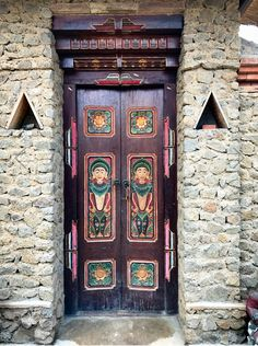 Karamgasem, Bali, Indonésie #photo #porte #door #voyage #travel #Asie #Asia Via https://500px.com/photo/186131973/doorway-decorated-by-david-brown