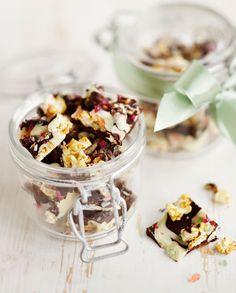 Tuttifrutti -popcornsuklaat