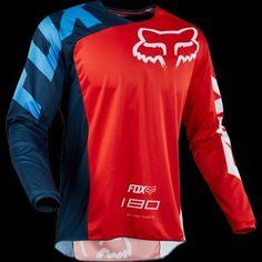 La camiseta técnica 180 ofrece la combinación de comodidad con rendimiento y con un estilo motocross. Motocross, Bmx, Honda, Shirt Designs, Sweatshirts, Long Sleeve, Sweaters, Mens Tops, T Shirt