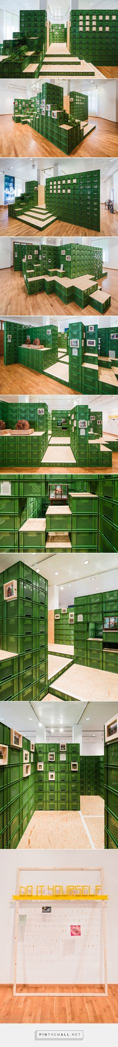 yalla yalla! stacks vegetable crates for exhibition in germany - created via http://pinthemall.net