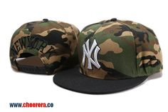 MLB New York Yankees Adjustable Snapback Hat in Camo
