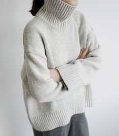 overall outfit casual Tomboy Fashion, Fashion Pants, Curvy Fashion, Fashion Outfits, Fashion Fashion, Outfits With Hats, Mode Outfits, Style Minimaliste, Chunky Knit Cardigan
