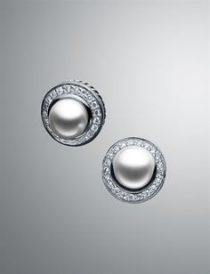 David Yurman Earrings--these would match my yurman ring. MUST HAVE NOW.