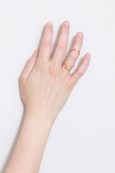 anillo piedra rosa