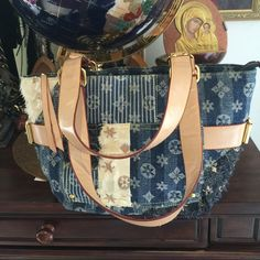Beautiful bag Blu beautiful bag  in excellent condition very clean Non Bags Mini Bags