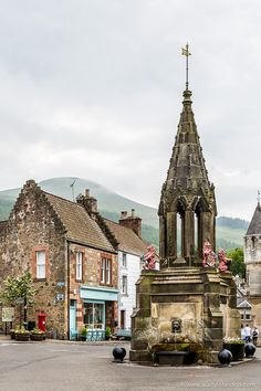 Scotland Travel Inspiration - Pretty village of Falkland in Fife, Scotland Fife Scotland, England And Scotland, Highlands Scotland, Scotland Castles, Oh The Places You'll Go, Cool Places To Visit, Places To Travel, Scotland Road Trip, Scotland Travel