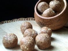 Salted Caramel Protein Balls High Protein Snacks, Protein Foods, Healthy Snacks, Healthy Recipes, Protein Recipes, Eating Healthy, Clean Recipes, Sweet Recipes, Bliss Balls