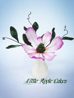 For this tutorial I used lily cutters in three different sizes. If you don't have the cutters you can always print out the petal template. You can even find it in my Notes on my Facebook page https://www.facebook.com/LittleAppleCakes To make one...