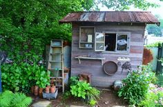 Simple Rustic Shed Shed Design, Garden Design, Rustic Shed, Wood Shed Plans, Backyard Patio Designs, She Sheds, Potting Sheds, Rustic Gardens, Building A Shed
