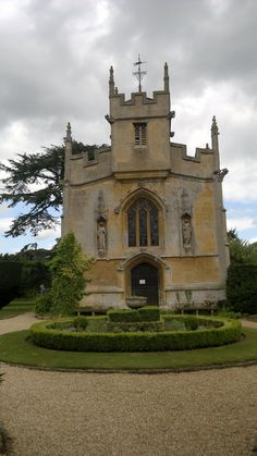 Sudeley Castle England, Katherine Parr outlived Henry VIII and is buried here in this Chapel