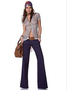 Fashion Lover: Il ritorno dei jeans a zampa/ flare jeans returns Look Disco, Denny Rose, Rose Clothing, Hippy, Flare Jeans, Bell Bottom Jeans, My Style, Womens Fashion, Pants