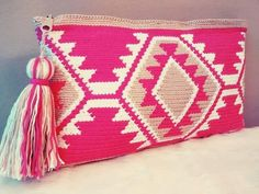 Items similar to Tote bag in crochet style wayuu, clutch of cotton. on Etsy Mode Crochet, Crochet Diy, Tunisian Crochet, Crochet Pincushion, Crochet Style, Crochet Clutch, Crochet Handbags, Crochet Purses, Tapete Floral