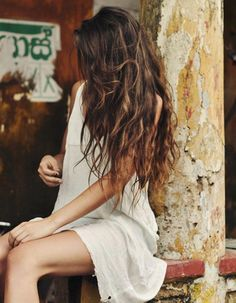 Elegant Women Style With Long Wavy Hair 30 Messy Hairstyles, Pretty Hairstyles, Long Wavy Haircuts, Curly Hair Styles, Natural Hair Styles, Beach Hair, Hair Day, Hair Looks, Hair Trends