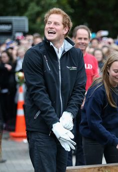 Prince Harry le 12 mai 2015 en visite à l'Université de Canterbury à Christchurch en Nouvelle-Zélande