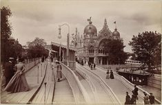 Exposition Universelle, Paris, 1900 - Courtesy of Brown University Library. - At the Nelson-Atkins Museum of Art, Kansas City in Inventing the Modern World. Paris 1900, Belle Epoch, Brown University, Pre Raphaelite, Eiffel, World's Fair, Photo Black, Paris Travel, Art World