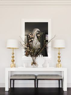 Modern entryway table ideas living room decorating ideas modern console tables to have living room inspiration Dining Room Console, Modern Console Tables, Sofa Tables, Table Lamps, Modern Table, Console Table Decor, White Console Table, Couch Table, Entry Tables