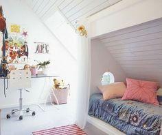 Utiliser partie du mur au deuxième qui descend pour faire une sorte de petite cabane - mettre rideau?