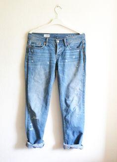 Kup mój przedmiot na #vintedpl http://www.vinted.pl/damska-odziez/dzinsy/9353479-spodnie-dzinsy-jeansy-rurki-luzne-oversize-mom-boyfriend-jasne-przecierane-z-dziurami-s-36-m-38
