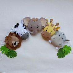 Jungle Theme Nursery, Nursery Bunting, Nursery Themes, Nursery Decor, Animal Nursery, Safari Theme, Nursery Room, Baby Zoo Animals, Felt Animals