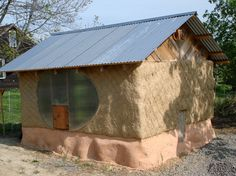 8 free chicken coop plans made from recycled material | The Poultry Guide