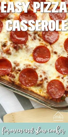 This pizza casserole recipe is a family favorite in our house hold. it's not hard to learn how to make a pasta pizza - you can make this pizza casserole Pepperoni Pizza Casserole Recipe, Pizza Pasta Bake, Easy Casserole Recipes, Pizza Recipes, Easy Dinner Recipes, Casserole Dishes, Cooking Recipes, Pepperoni Recipes, Paleo Pizza