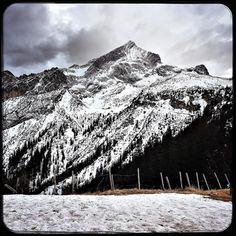 First snow in Garmisch. I would not mind some pow pow the next few days.. #letitsnow #skiseason #garmisch #winterwonderland #alps #girlsski  #soultravels #outdoorgirl #adventuregirl #wanderlust #mindful #forevercurious  #munichandthemountains