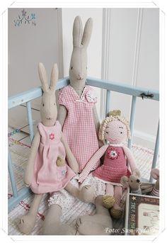 Maileg rabbits and princess