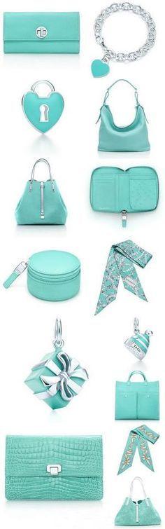 J'aimerais que le cadenas bleu soit une sac! Par Tiffany et co. Azul Tiffany, Tiffany Blue, Tiffany And Co, Tiffany Outlet, Pierre Turquoise, Shades Of Turquoise, Turquoise Color, Blue Wedding Shoes, Red Wedding