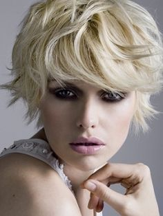 Medium Hairstyles for 2010 - Medium hairstyles can offer women all the advantages they are searching for as long as they opt for the right hair cutting technique. Different face shapes require different cuts, but once the cut is performed to your advantage, you will look spectacular.