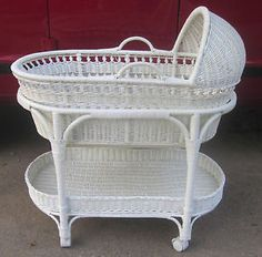 White-Wicker-Bassinet-w-Removable-Moses-Basket-Casters-Storage