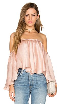 online shopping for Backstage Rianna Top from top store. See new offer for Backstage Rianna Top Casual Outfits, Cute Outfits, Fashion Outfits, Womens Fashion, Blouse Sexy, Look Girl, Made Clothing, Revolve Clothing, Marie