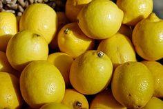 1. Soda plus cytryna   Nic tak nie usunie przebarwień, śladów po trądzik