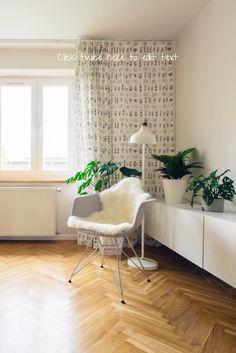 Fischgrät und IKEA - hell mit Holz. Passt hervorragend zusammen und ist auch alles andere als altbacken.