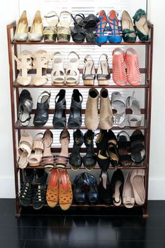 amaz shoe organizaysh.  for between my closets?  Tour Blogger Sara Azani's Sweet Dupont Circle Digs #refinery29