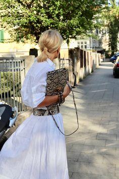 Die Bloggerin Bibi Horst stylt Leinen in vielen Variationen. | Stilexperte für Styling und Anti-Aging 45+ Winter Outfits 2019, Fall Outfits, Summer Outfits, Over 50 Womens Fashion, 50 Fashion, Fashion Styles, Fashion Ideas, Chic Over 50, Cotton Tunic Tops