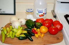 Step by Step photo tutorial to making homemade cooked salsa. Sweet Banana Peppers, Pickled Banana Peppers, Sweet Bell Peppers, Stuffed Banana Peppers, Stuffed Green Peppers, Canned Salsa Recipes, Canning Recipes, Canning Salsa, Fresh Tomato Salsa