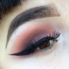 #Repost @familyg0retrait with @repostapp. Close up of today's eyeball. Not using eye shadows but using @lunatick_cosmetic_labs contour palette as eye shadows and for my brows. Eyeliner is @illamasqua gel eyeliner in infinity. #lunatickcosmeticslabs GET INSTANT SAVINGS WITH THIS WINTER USING CODE WINTER BLUES ON WWW.LUNATICKLABS.COM 1/20-1/27 by lunatick_cosmetic_labs