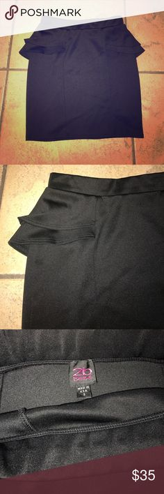 2b by Bebe Peplum Skirt 2b by Bebe Peplum Skirt. In new condition. Runs true to size/ 2B Bebe Skirts Mini