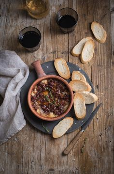 Baked Camembert dip with sun-dried tomatoes, garlic & thyme #recipe #cheese #party