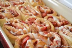 Strawberry Cinnamon Rolls: Love the idea of tucking fruit & jam inside.  Ok, I can see so many variations with the fruit filling!  Apple and pear butter, peaches, blackberries or blueberries with lemon curd, oh the possibilities are endless!