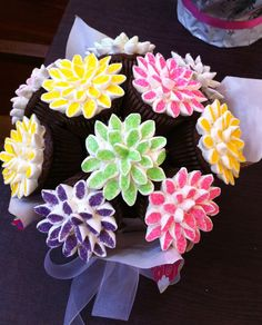 daisy cupcakes – Frazi\'s cakes Daisy Cupcakes, Cute Cupcakes, Baking Cupcakes, Cupcake Cookies, Cupcake Cupcake, Cupcake Ideas, Cupcake Flower Pots, Cupcake Bouquets, Tolle Cupcakes